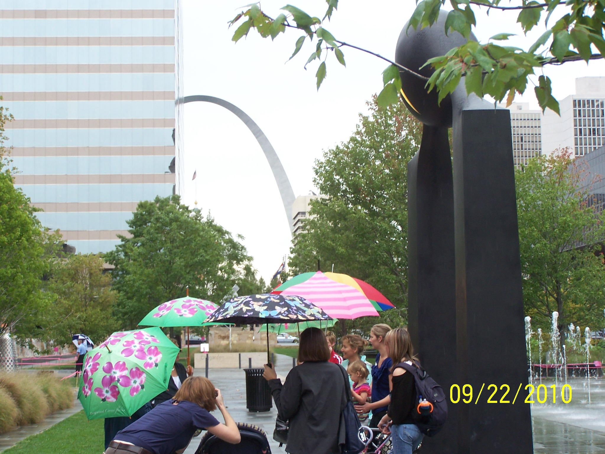 2010-09-22 Citygarden Rainbow Umbrella Arch